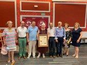 Teresa Rubira recoge el premio de