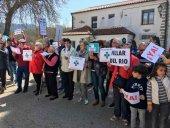 Nueva concentración por la reapertura de la farmacia de Villar del Río